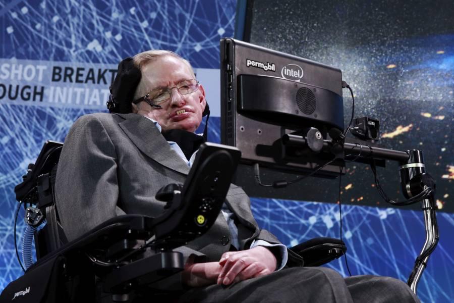 Familia de Stephen Hawking dona ventilador a hospital