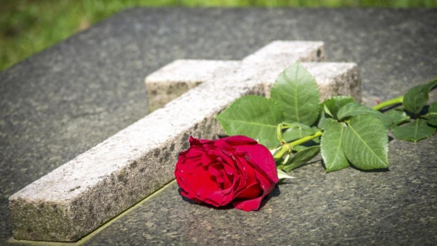 Prohíben funerales en casos del virus
