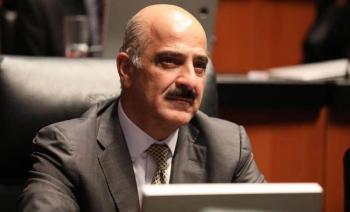 Renuncia Ricardo Ahued a la Administración General de Aduanas