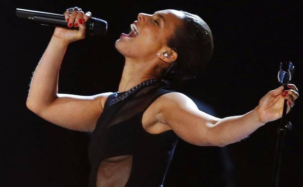 Alicia Keys lanza tema para honrar a héroes que luchan contra Covid-19