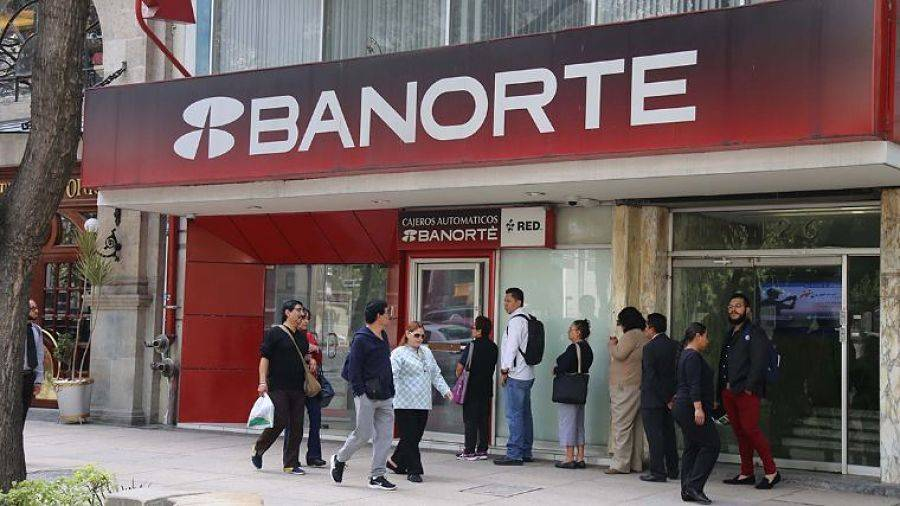 Medio millón de clientes de Banorte aplazan créditos por Covid-19