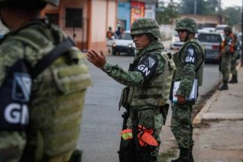 Acusan de reunirse para comer a Guardia Nacional y huachicoleros de Puebla