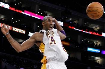 Subastan artículos de Kobe Bryant