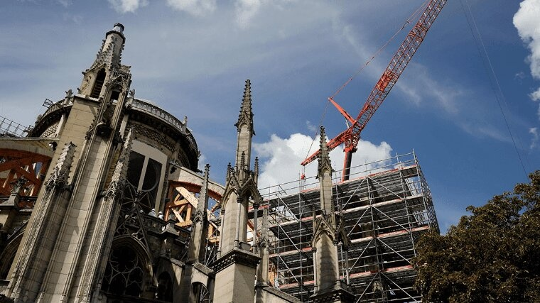 Reanudan restauración de Notre Dame