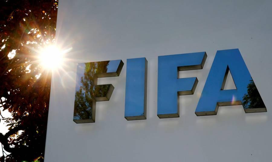 FIFA propone hasta cinco sustituciones por partido como medida temporal