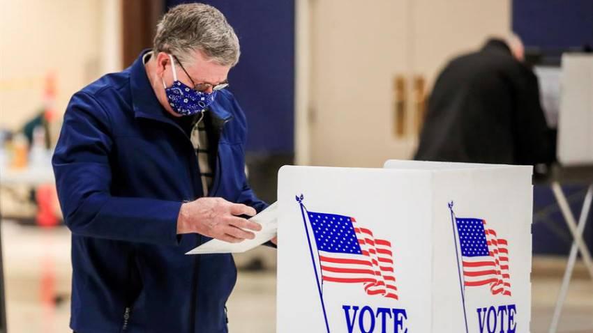 Por COVID-19, Ohio celebra elecciones primarias con votos por correo