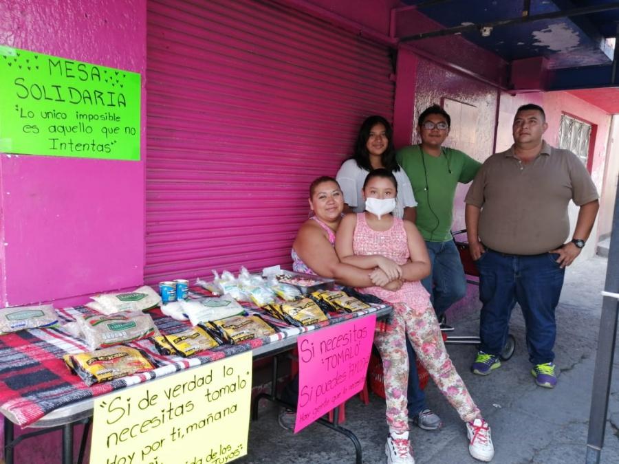 Con sus ahorros, niña de 9 pone mesa solidaria