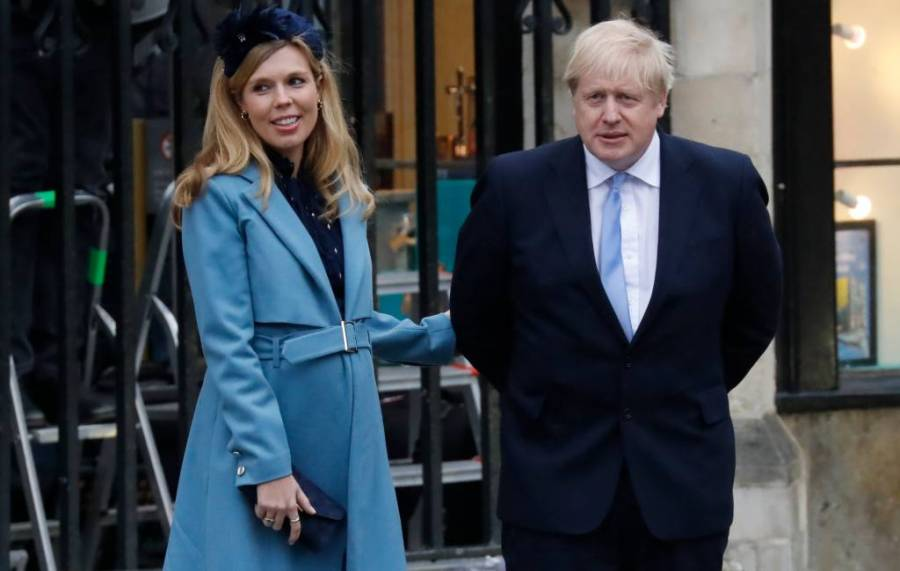 Boris Johnson y su prometida Carrie Symonds anuncian el nacimiento de su hijo