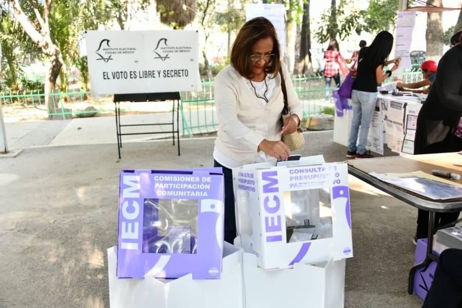 Reciben Comisiones IECM desglose de elección vecinal y consulta ciudadana