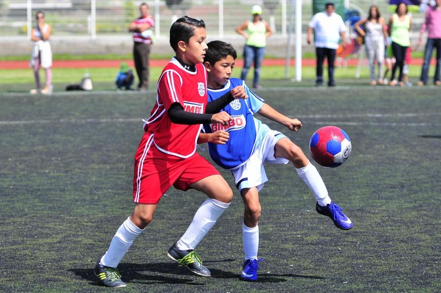 Niños festejan su día sin hacer deporte; México es líder en obesidad
