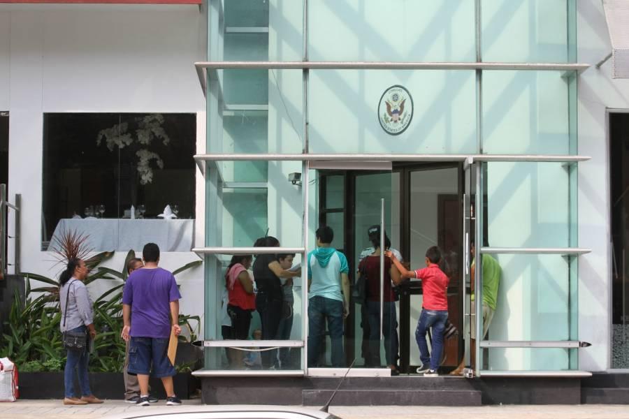 Landau desconoce fecha de reanudación de operaciones en Embajada de Estados Unidos