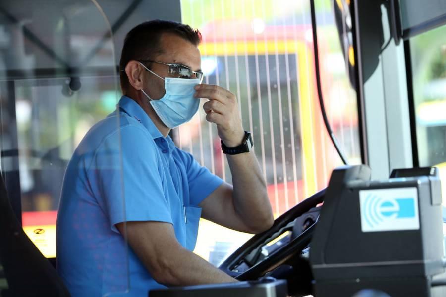 España ordena uso de mascarillas en transporte público