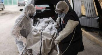 Ante riesgo de contagio, familia no puede tocar a fallecidos por COVID-19