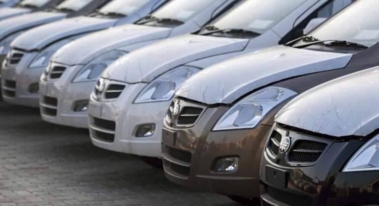 En abril, vive la venta de vehículos ligeros su peor caída en 25 años