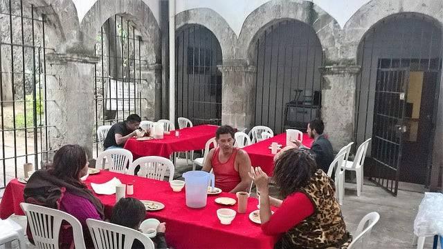 Iglesia habilita comedores comunitarios para gente de calle en la CDMX