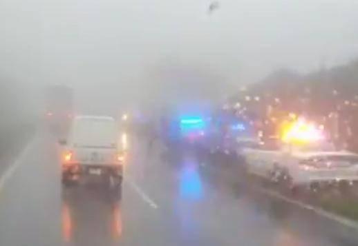 15 sujetos roban a conductores de trailers y autos en carretera Puebla-Orizaba