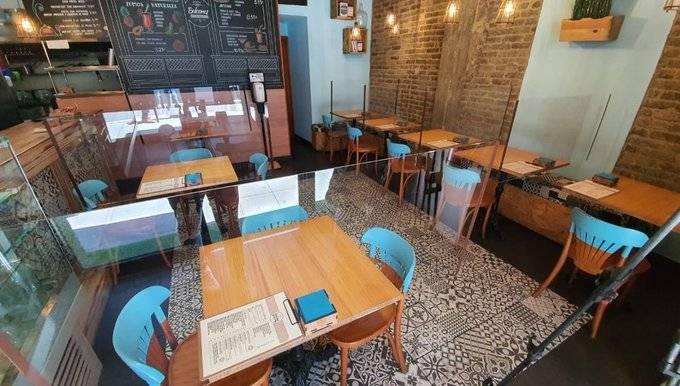 Autoridades permiten reapertura parcial de bares y restaurantes en España
