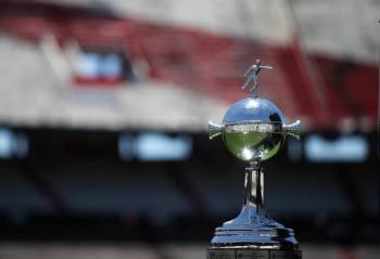 Conmebol quiere la final de la Copa Libertadores en enero