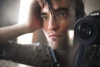 Robert Pattinson realiza su propia sesión de fotos para portada de revista