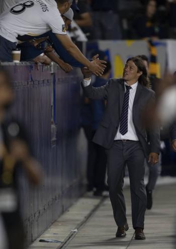 Matías Almeyda valora el misticismo de ir al estadio