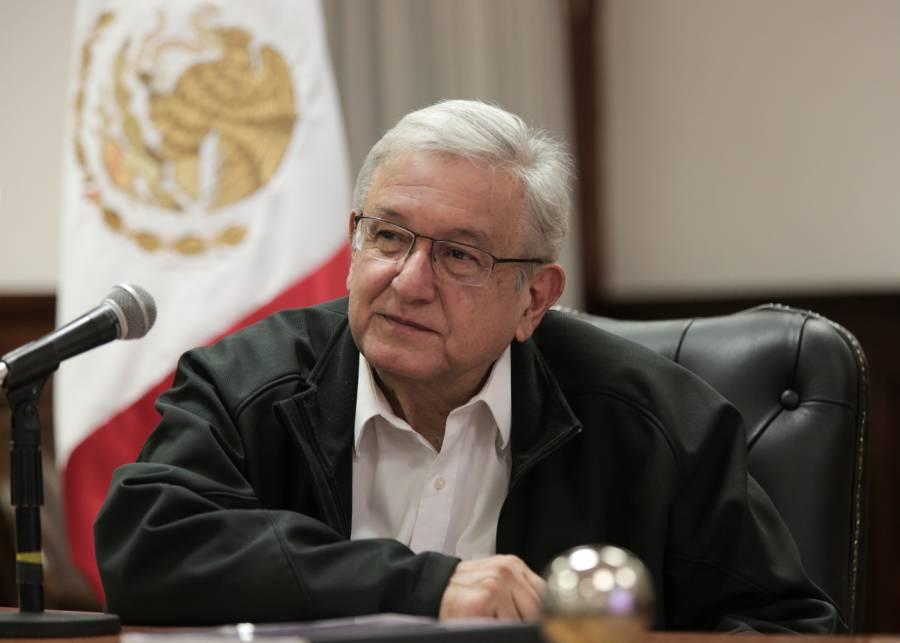 AMLO se entrevista con Epigmenio Ibarra y Gabinete del sector salud