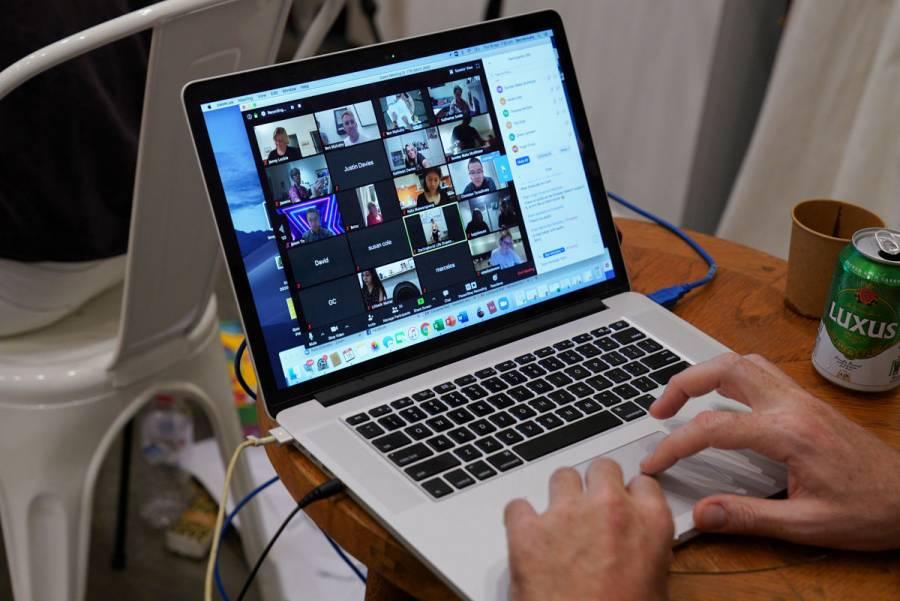 Hackers utilizan aplicaciones de videoconferencias para robar información
