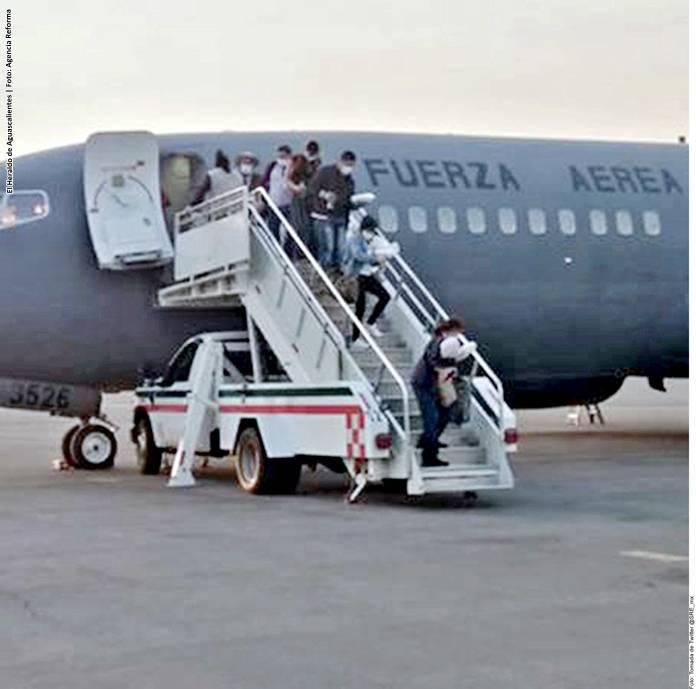 Repatria SRE a 10 mexicanos más; suman 12 mil 13