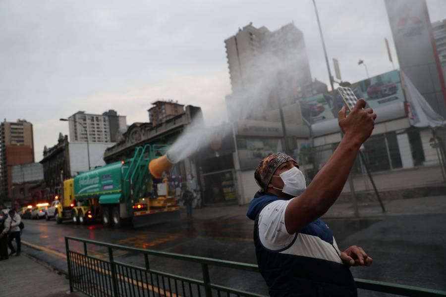 Chile confina a 8 millones de personas tras rebrote