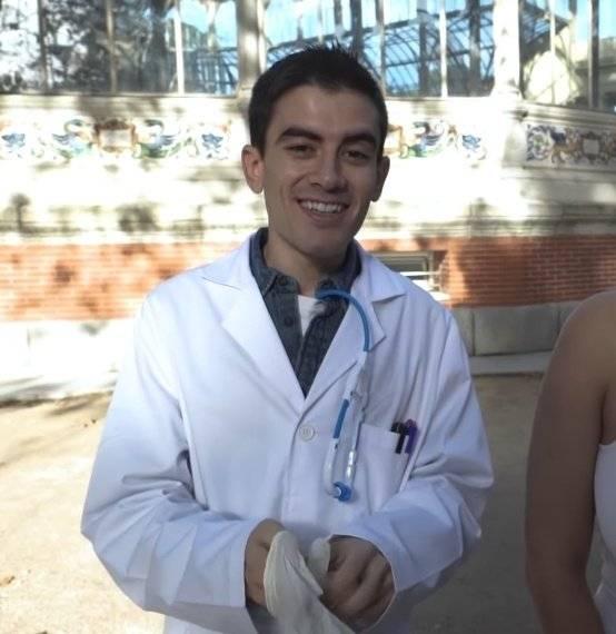 Diputada confunde actor porno con médico fallecido