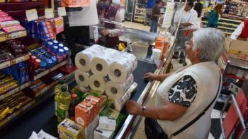 Caen 27% las ventas de Antad en abril