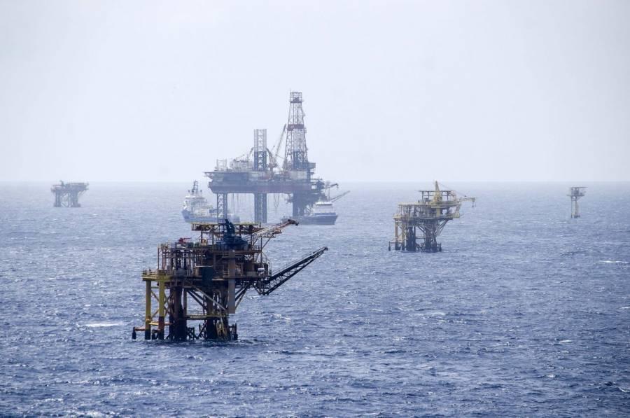 Petróleo mexicano gana 7.19%