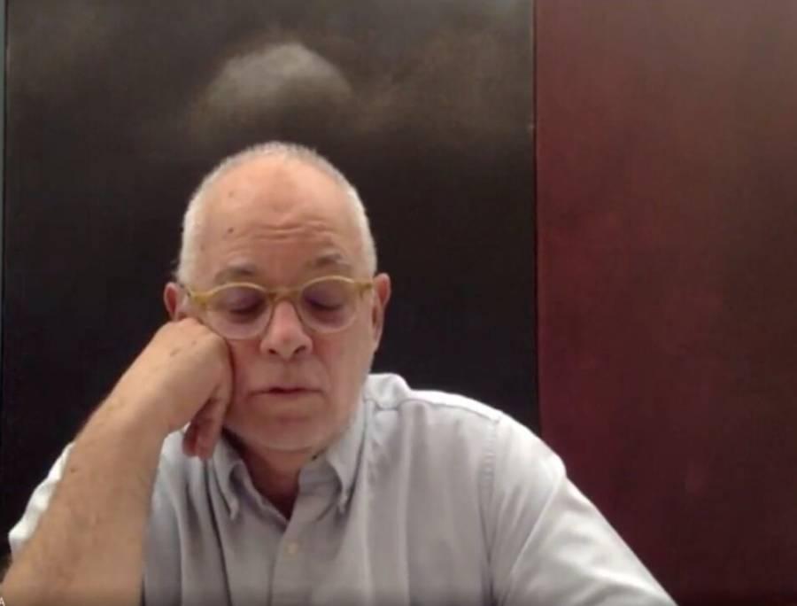 Morton celebra conversatorio con Abel Quezada