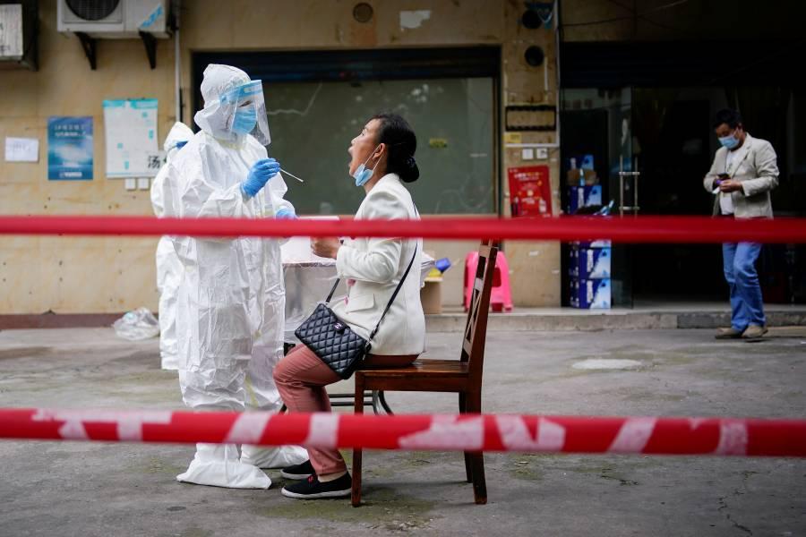 Por riesgo de nuevo brote, Wuhan aumenta pruebas de Covid-19