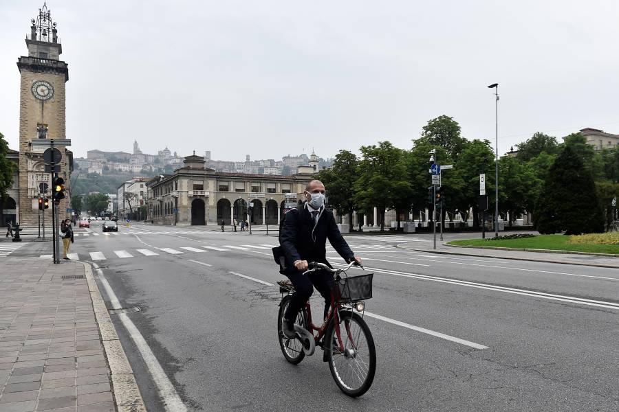 Europa y China se suben a la bicicleta  para mantener la sana distancia