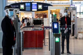 Crece veto a extranjeros  en aeropuertos