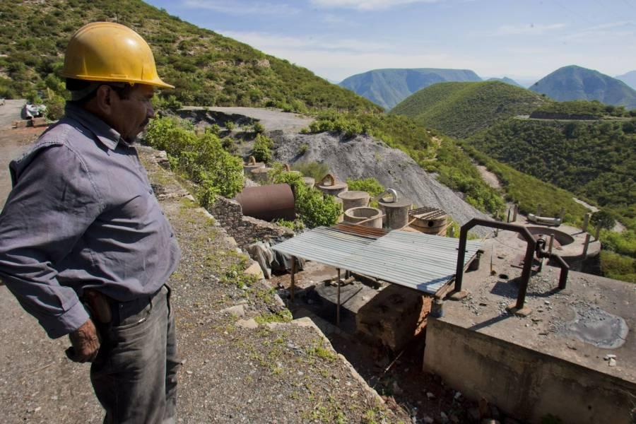 Anuncia AMLO reglas para reabrir sector minero y automotriz