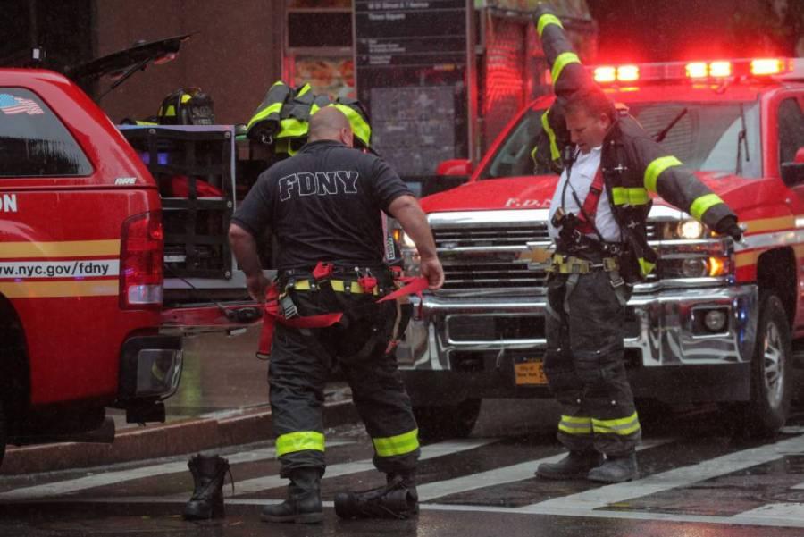 Explosión en Los Ángeles deja heridos a 11 bomberos [Video]