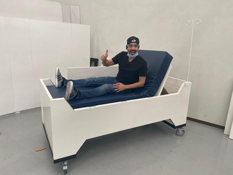 Emprendedores mexicanos diseñan cama de terapia media de cartón
