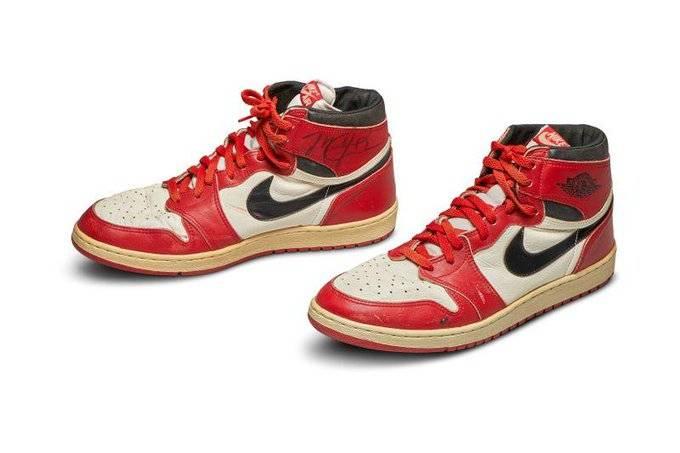 Tenis de Michael Jordan son subastados en 560 mil dólares