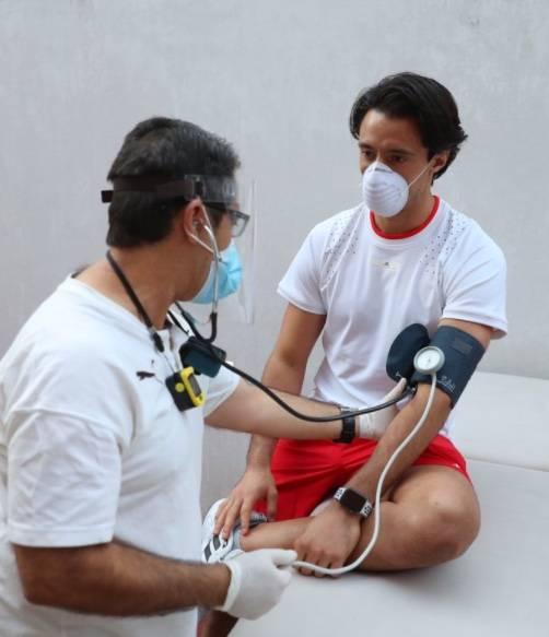 Jugadores de Chivas son sometidos a pruebas para detectar Covid-19