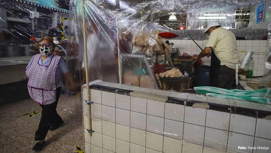 Locatarios se enfrentan por reapertura del mercado Martínez de la Torre