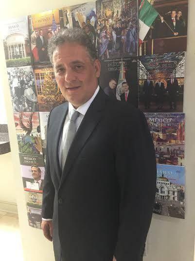 Consul mexicano en Orlando da positivo a Covid-19