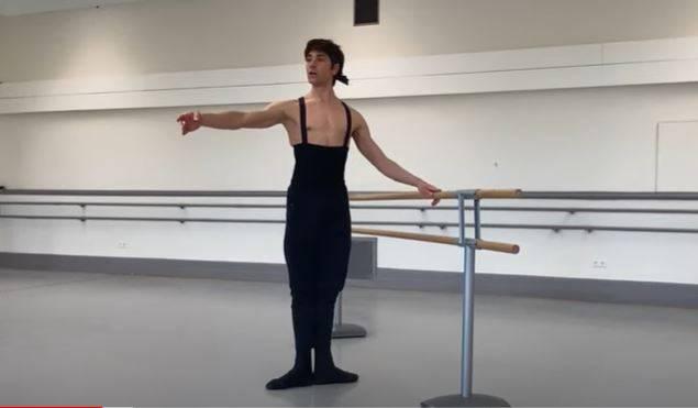 Dior y profesionales de ballet ofrecen clases en línea