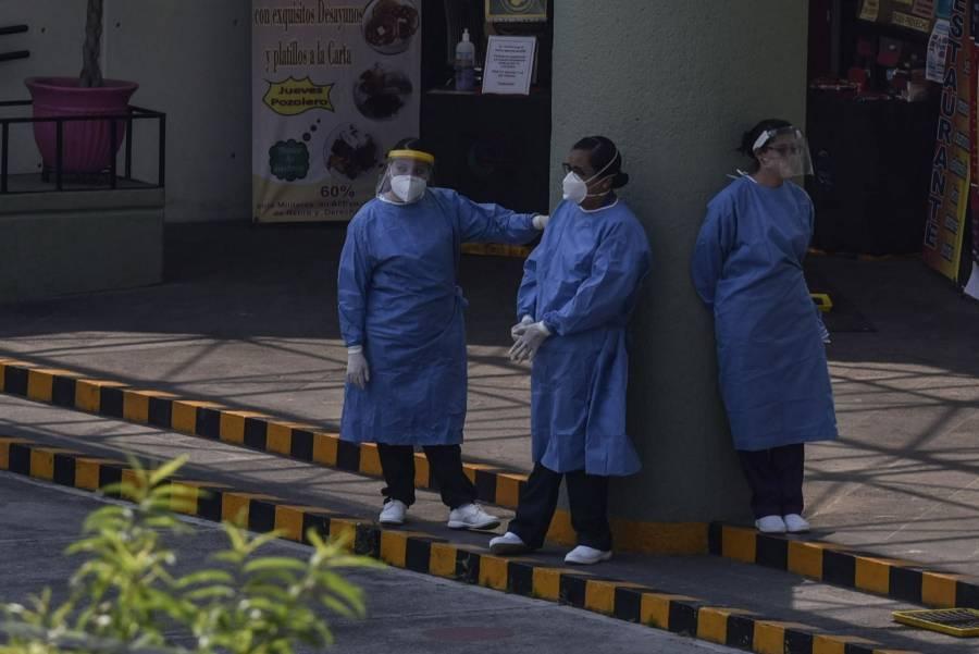 La curva va en ascenso porque el virus es mucho más contagioso y letal, señalan especialistas