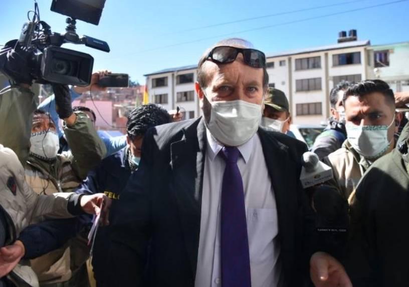 Detienen al ministro de salud de Bolivia por sobreprecio de respiradores