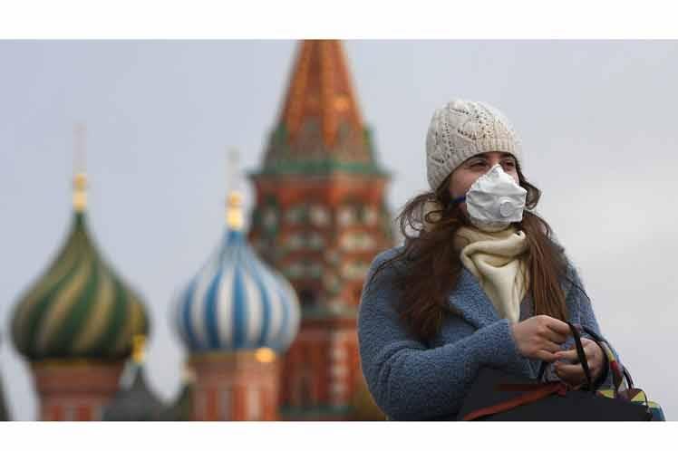 Poco más de 300 mil casos de Covid-19 reporta Rusia