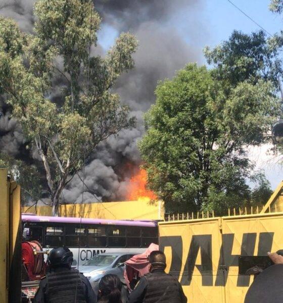 Por fuga de gas se incendian 11 camiones