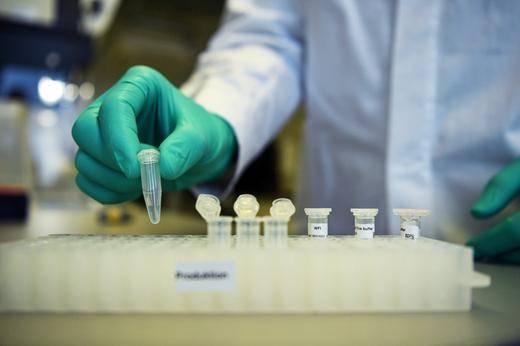 Aparta EU 300 millones de dosis de vacuna de AstraZeneca para covid-19