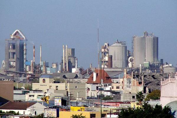 Anuncian sanciones para empresas que regresen a labores el 1 de junio