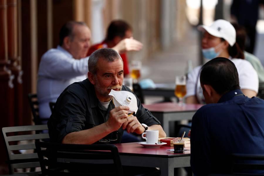 España registra 446 contagios y 56 muertes por pandemia